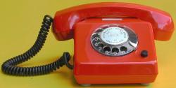 DDR-Telefon rot