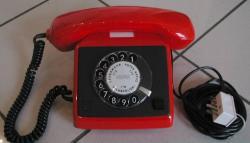 DDR-Telefon rot / schwarz
