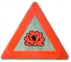 Warnschild Achtung brennbar / explosiv