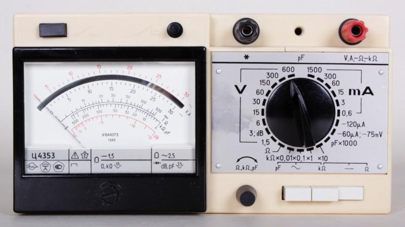 analoges Multimeter Z4353 Ц4353